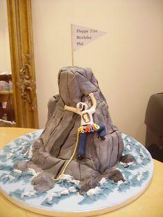 climber cake Cool Birthday Cakes, Birthday Crafts, Crazy Cakes, Fancy Cakes, Rock Climbing Cake, Mountain Cake, Nature Cake, Batman Cakes, Fondant Tutorial