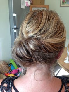 Roll hairstyle