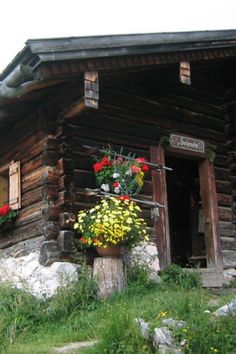 Cabin in the Alps, Austria Old Cabins, Cabins And Cottages, Wonderful Places, Great Places, Beautiful Places, Austria Country, Scandinavian Cottage, Alpine Style, Window Planters