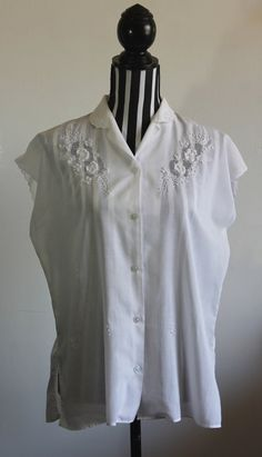 Vintage embroidered blouse // scallop edge sleeves // size XL // free shipping in Australia