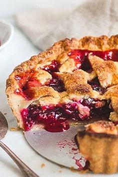 Fun Baking Recipes, Sweet Recipes, Fancy Recipes, Cooking Recipes, Homemade Cherry Pies, Homemade Pie, Cherry Pie Recipes, Best Cherry Pie Recipe, Delicious Desserts