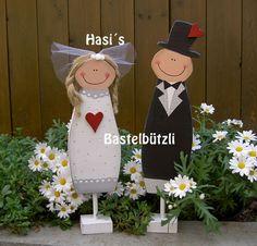 Brautpaar+Pit+und+Pia+aus+Holz+von+Hasi´s+Bastelbützli+auf+DaWanda.com