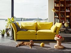 Mariposa is a sofa for the entire family. With its pleasantly soft upholstery it invites to relaxing hours with your beloved ones.