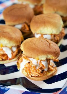 Slow Cooker Buffalo Chicken Sliders – great for lunch, dinner or football parties! Slow Cooker Buffalo Chicken Sliders – great for lunch, dinner or football parties! Fingerfood Recipes, Appetizer Recipes, Game Day Appetizers, Cheese Appetizers, Party Recipes, Slow Cooking, Football Snacks, Football Parties, Tailgate Parties