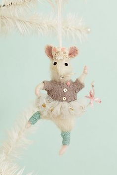 Brava Mouse Ornament #anthropologie                                       There are 3 in the set- sooo cute!