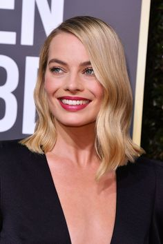 Margot Robbie's Buttery Angled Lob