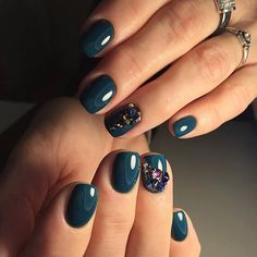 Emerald nails, Evening dress nails, Evening nails, Festive nails, Glossy nails, Luxurious nails, Nails ideas 2016, Nails with beads