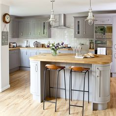 Looking for grey kitchen ideas? If you're looking for an alternative to white kitchen units, you can't go wrong with grey cabinetry and grey kitchen tiles Grey Kitchen Cupboards, Grey Kitchen Tiles, Grey Shaker Kitchen, Grey Kitchen Designs, Kitchen Units, Kitchen Flooring, New Kitchen, Kitchen Ideas, Grey Cabinets