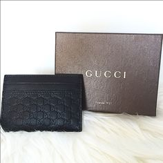 Men's Gucci clip Authentic all black men's Gucci wallet clip. Brand new with the box. Retails $220 + tax ✔️mercari available for $190 Gucci Bags Wallets