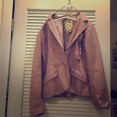 H&M pink tweed blazer, sz 12 Fun dusty rose 2 button blazer with cute floral rosette detail. Previously owned but good condition. H&M Jackets & Coats Blazers