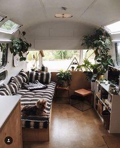 15 Campervan Interior Design Ideas for a Cozy Camping Time www. 15 Campervan Interior Design Ideas for a Cozy Camping Time www. Kombi Motorhome, Bus Camper, Camper Life, Bus Life, Airstream Interior, Campervan Interior, Vintage Airstream, Airstream Renovation, Trailer Interior