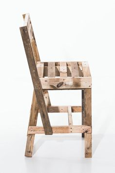 ... because what's a pallet table without pallet chairs?