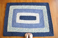 Artículos similares a EKRA Custom Made Rectangle Rug en Etsy Crochet Carpet, Crochet Home, Diy Crochet, Crochet Rugs, Trap Art, Cotton Cord, Rug Inspiration, Fabric Yarn, T Shirt Yarn