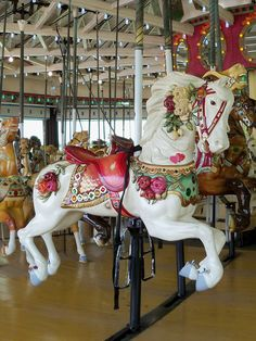 A beautiful, floral horse on the Rye Playland carousel. It's a more ornate carousel than the Prospect Park one, though done by the same carving shop. Carosel Horse, Amusement Park Rides, Wooden Horse, Painted Pony, Hobby Horse, Merry Go Round, Horse Art, Sculptures, Horse Tattoos