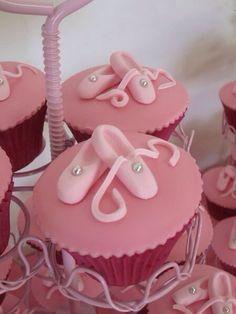 Ballerina cupcakes Dance Cupcakes, Shoe Cupcakes, Cupcake Cakes, Ballerina Birthday Parties, Ballerina Party, 4th Birthday, Tea Cakes, Mini Cakes, Fondant