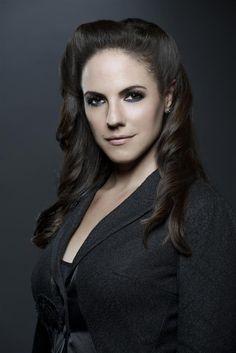'Lost Girl' Season 4, Episode 12 Recap: You Can Call Me Queen Bee | Melissa Girimonte