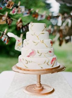 Bird painted Wedding Cake #birds #wedding #cake