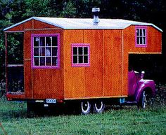 Vintage Rolling Homes http://www.mobilehomeliving.org/2011/11/rolling-mobile-homes-driving-and-living.html