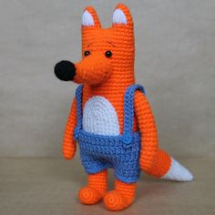 Have a look at Mr. Fox dressed in trendy jumpsuit! Want to make him? Use this free Mr. Fox Crochet Pattern! The size of finished toy is about 18-20 cm.