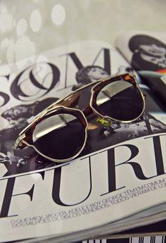 Venha desfrutar da sensação de ter o óculos mais disputado do momento! We ♥  Dior e4c5f9e1aa