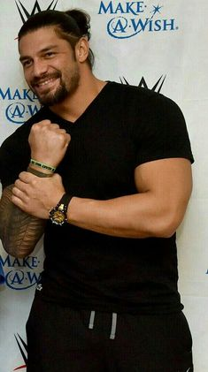 Roman Reigns is sexy as hell 💋💞💖💕💓💗💚💜💛😎 Wwe Superstar Roman Reigns, Wwe Roman Reigns, Roman Reigns Family, Roman Regins, The Shield Wwe, Wrestling Superstars, Wwe World, My Superman, Wwe Wrestlers