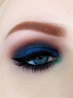 Dark Blue and teal eyeshadow green and blue eyeshadow. Makeup Inspo, Makeup Art, Makeup Inspiration, Beauty Makeup, Gorgeous Makeup, Pretty Makeup, Makeup Looks, Awesome Makeup, Beautiful Gorgeous