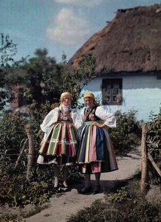 約100年前に撮影された世界22カ国の民族衣装に身を包む少女たちの貴重なカラー写真 - DNA ポーランド