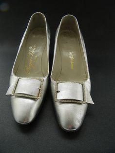 Shoes roger vivier at saks Vintage Shoes, Vintage Accessories, Chaussures Roger Vivier, 1960s Fashion, Vintage Fashion, Glass Slipper, Vintage Handbags, Types Of Shoes, White Shoes