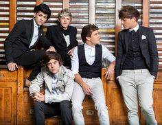 """GUYS IT'S LILO! It is Lilo right? Or is it something else? One Direction """"Take Me Home"""" Photoshoot:') <3"""