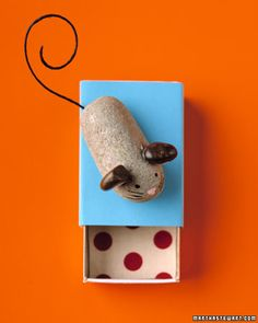 Pet mouse, pet rock. Easy and fun craft for kids.