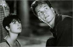 Ghost est un film réalisé par Jerry Zucker avec Patrick Swayze, Demi Moore 1993 Demi Moore, Dirty Dancing, Best Movie Lines, Ghost Movies, Patrick Wayne, Tony Goldwyn, Ghost Pictures, American Actors, Feelings