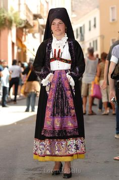 Traditional folk costume, Sardinia - Italy: traditional dress/costume from Sardinia Steve Mccurry, Folk Costume, Costume Dress, Europe Fashion, Beautiful Costumes, Ethnic Dress, People Dress, Traditional Dresses, Tiana