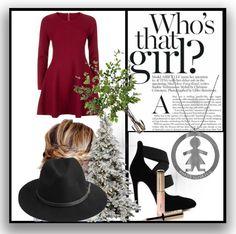 Ecco il nostro primo suggerimento per creare un perfetto look natalizio: abitino rosso, chignon e la collana della linea #wonderlux per donare luce all'outfit!#sonobirikina #birikinidonna #lookbirikini