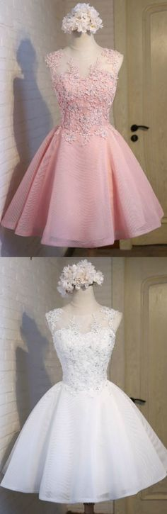 Gorgeous Ball-gown Scoop Neck Short Tulle Homecoming Dress With Appliques Lace