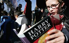 Harry Potter and Hogwarts are apparating to Philadelphia this weekend with the return of the city's annual Harry Potter Festival. The entire neighborhood of Chestnut Hill will transform into Hogsmeade and Diagon Alley—with Chestnut Hill College taking on the role of Hogwarts—for the two-day festival. Harry Potter Festival, New Harry Potter Book, Harry Potter Cursed Child, Harry Potter Houses, Harry Potter Characters, Christina Milian, Pokemon Go, Benjamin Castaldi, Games