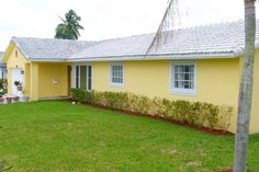 Coral Springs Home for Sale in the Windings at 4000 NW 108th Drive. 5 bedroom/3 bathroom