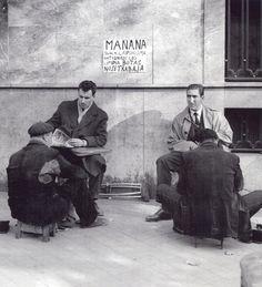 Limpiabotas.1956. (Teodoro Naranjo Domínguez)
