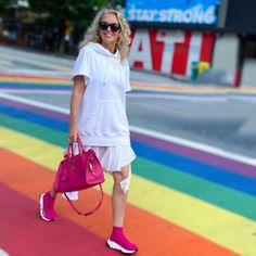 Michelle Edwards (@arebelinprada) • Instagram-Fotos und -Videos Shirt Dress, Videos, Shirts, Instagram, Dresses, Fashion, Vestidos, Moda, Shirtdress