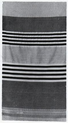 Gunta Stölzl - Bauhaus Master.Black and white curtain 1924 400x120 cm Location unknown. The curtain was exhibited at a Bauhaus exhibition in 1925 Photograph: Bauhaus-Archiv, Berlin