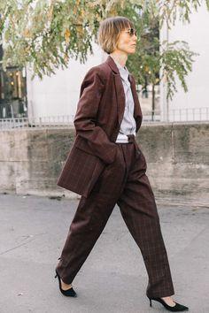 El traje masculino (y el calzado más clásico) Star Fashion, Daily Fashion, Vintage Street Fashion, Paris Outfits, Use E Abuse, Adventure Style, Street Look, Colourful Outfits, Work Wardrobe