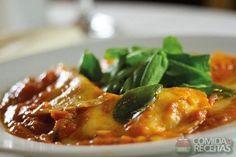 Receita de Ravioli de abóbora ao pomodoro e rúcula em receitas de massas, veja essa e outras receitas aqui!