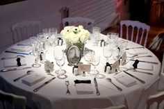 Pliage de serviettes on pinterest napkins napkin folding and chemises - Pliage serviette chemise ...