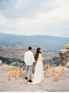 love this magical shoot on steep cliffs by Brushfire Photography | www.hochzeitsguide.com