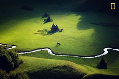 Photo and caption by Sebastiaen . / National Geographic Nature Photographer of the Year Contest