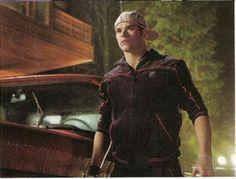 Kellan Lutz as Emmett Cullen in Twilight Twilight Poster, Twilight 2008, Twilight Saga Series, Twilight Book, Twilight Photos, Emmett Twilight, Kellan Lutz Twilight, Twilight Renesmee, The Cullen