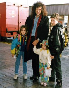 Brian May – Zdjęcia – Queen Poland Queen Freddie Mercury, Queen Mercury, Queen Ii, I Am A Queen, Save The Queen, Queen Band, John Deacon, Cool Bands, Great Bands