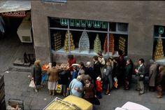 Kolejka po owoce, 1980