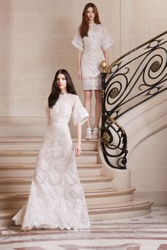 ELIE SAAB is delighted to present the Pre-Fall 2014 Collection. The collection celebrates the contemporary elegance of the ELIE SAAB woman, reviving a. Girls Formal Dresses, Prom Dresses, Wedding Dresses, Dresses 2014, Runway Fashion, Fashion Show, Fashion Design, White Gowns, Mannequins
