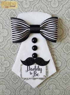 DIY Father's Day cards ideas Make Father's Day special for your dad with some DIY Cards. Here are the best & easiest DIY Father's Day Cards ideas for you can make in a jiffy. Diy Father's Day Gifts, Father's Day Diy, Easy Diy Father's Day Cards, Cards Diy, Baby Shower For Men, Father's Day Specials, Masculine Birthday Cards, Fathers Day Crafts, Diy Birthday