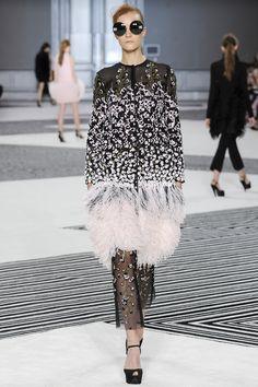 Giambattista Valli Fall/Winter 2015-2016 Fashion Show